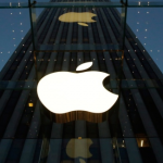 Apple smartwatch with multiple sensors, screen sizes due in fall
