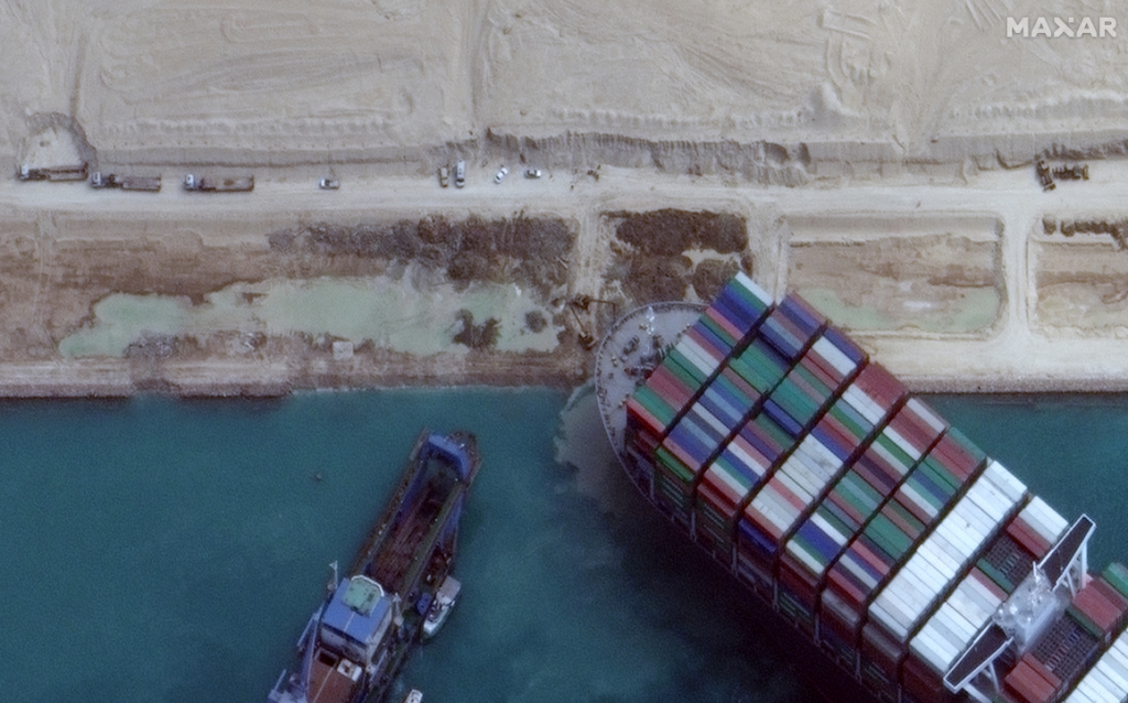 March 28th Satellite Imagery Update on Suez Canal and EVER GIVEN Ship  - Satellite image ©2021 Maxar Technologies