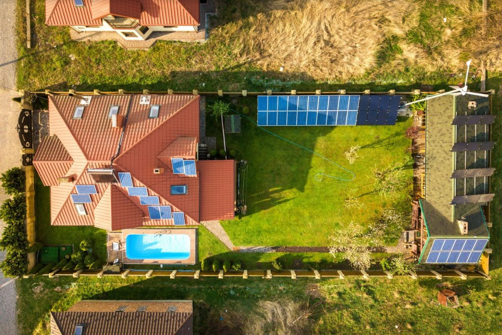 Pylon uses hi-res aerial imagery and 3D solar shading simulation